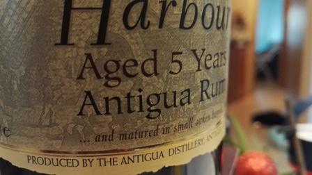 Etykieta rumowa - fotografia własna